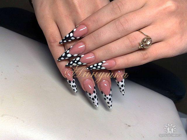 Фото нарощенных ногтей острые